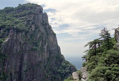 庐山风景区自古就有匡庐绝胜和山水绝胜的美誉,而庐山石门涧又是庐山