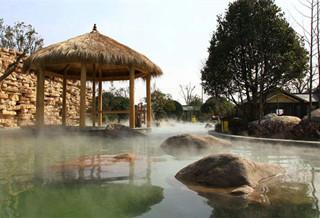 雨后山林温泉